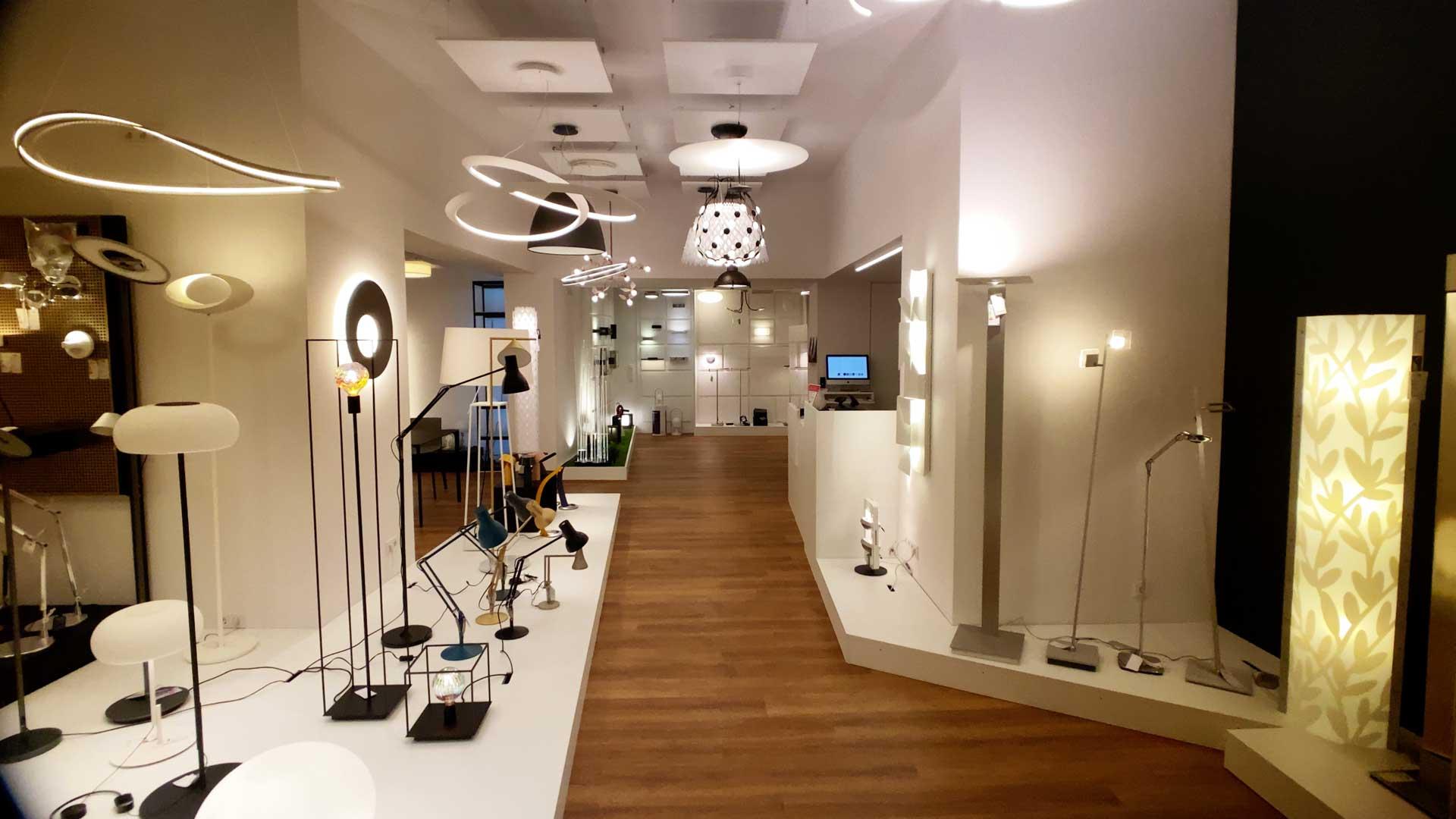 Schaufenster an aus licht und mehr Fachgeschäft für Lampen Leuchten und Lichtkonzepte